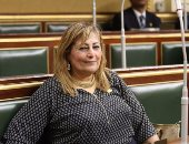 نائبة عن عقوبة عدم ارتداء الكمامة: يجب توفيرها للمواطنين أولًا