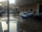 بالصور.. شوارع حى عين شمس تغرق فى مياه الصرف الصحى