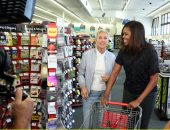 بالصور.. المذيعة ألين دى جينيريس تصطحب ميشيل أوباما فى جولة تسوق