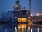 """اليوم.. قائد القوات البحرية يرفع علم مصر فوق الميسترال """"أنور السادات"""""""