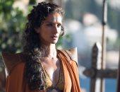 """بالصور من المسلسل لعروض الأزياء.. كيف غزا """"Game of Thrones"""" عالم الموضة؟"""