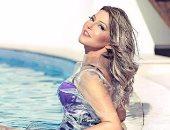 """قبل ما تتريق..""""بلاستيك"""" سميرة سعيد أحدث صيحات الموضة العالمية واسألوا """"كيم"""""""