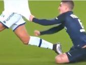 بالفيديو.. أفضل اللحظات المجنونة فى ملاعب كرة القدم