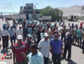 بالفيديو والصور.. اعتصام مئات الصيادين بالسويس للمطالبة بالحصول على تصاريح