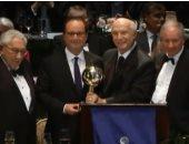 """مؤسسة أمريكية تكرم الرئيس الفرنسى بجائزة """"رجل الدولة المثالى لعام 2016"""""""