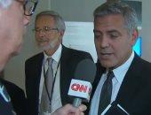 """شاهد بالفيديو.. جورج كلونى يعرف خبر انفصال """"انجلينا"""" فى مقابلة مع CNN"""