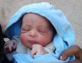 العثور على طفلة رضيعة أمام أحد المنازل فى دار السلام