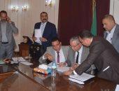محافظ المنيا يتفقد عدد من المدارس ويتابع الأنشطة التعليمية والرياضية