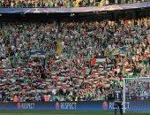 اليويفا يعاقب نادى سيلتك الأسكتلندى بسبب رفع جماهيره أعلام فلسطين