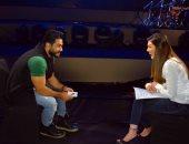 """بالفيديو.. تامر حسنى لـ""""ست الحسن"""": أدرس الجمهور قبل صعود المسرح"""