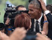 """أوباما وكلينتون يوزعان الضحكات على الجميع أثناء تشييع جثمان """"بيريز"""""""