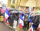 250 شخصا يتظاهرون فى سان دونى الفرنسية اعتراضاً على استقبال المهاجرين