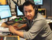"""بعد عمله 18 عامًا.. مذيع يشن هجوما على راديو bbc بسبب فصله لكونه """"أبيض"""""""