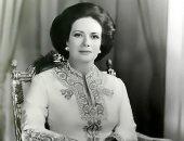 بالصور.. شاهد أجمل إطلالات جيهان السادات فى عز شبابها