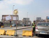 المرور: حواجز حديدية بمحيط أعمال إصلاحات كوبرى السيدة عائشة لمنع الزحام