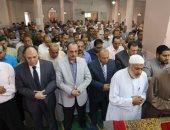 بالصور.. محافظ المنوفية يتقدم جنازة النائبه أميرة رفعت