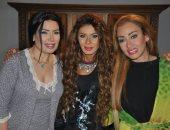 """بالصور.. أسرة """"ستات قادرة"""" تحتفل بعيد ميلاد نجلاء بدر فى موقع تصوير المسلسل"""