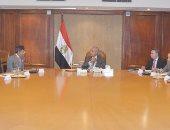 وزير الصناعة لكبرى شركات النسيج الهندية: مصر تسعى لزيادة مساحات زراعة القطن