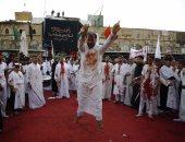 مئات آلاف الزوار الشيعية يحيون ذكرى عاشوراء فى كربلاء