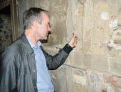 بالصور.. خبير فرنسى يفحص جامع الطنبغا بالدرب الأحمر: المبنى فى حالة سيئة