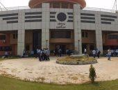 بالصور.. اعتصام طلاب مدرسة المتفوقين بـ6 أكتوبر بسبب انقطاع الكهرباء