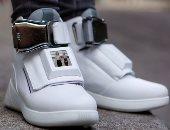 علماء يطورون حذاءً يستخدم الذكاء الاصطناعى لتحليل نمط حركة مرتديه