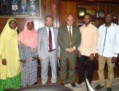 القائم بأعمال رئيس جامعة طنطا يلتقى طلاب نيجريا الحاصلين على الماجستير