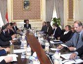 رئيس الوزراء عقب لقائه عدد من خبراء الاقتصاد: تم طرح التحديات والفرص الراهنة