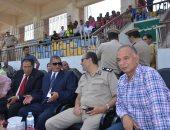 محافظ كفر الشيخ يشجع نادي كفر الشيخ من استاد بلدية المحلة