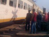 عودة حركة قطارات سوهاج عقب توقفها بسبب عطل الجرار