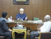 """أمين """"البحوث الإسلامية"""" يلتقى مفتى بورما.. ويؤكد: الأزهر مستعد للمساعدة"""