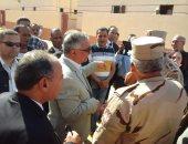 بالصور.. وزير التنمية المحلية يتفقد أعمال تطوير قرية عفونة بالبحيرة