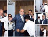 رئيس الوزراء وشخصيات عامة يخضعون للتفتيش الذاتى بمطار القاهرة