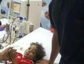 حسام غالى يستجيب لرغبة طفل مريض بالكلى ويزوره بمستشفى أبو الريش