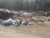 قارئ يرصد تراكم القمامة فى شارع الأربعين بعين شمس