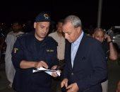 محافظ قنا يتفقد تجهيزات مركز الإغاثة