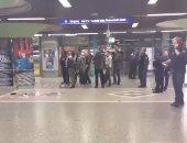 بالفيديو والصور..حادث طعن بمحطة فرانكفورت الألمانية..والشرطة:الجانى هارب