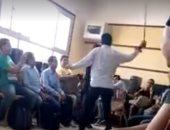 بالفيديو.. مدرس يضرب تلميذا بطريقة وحشية فى إحدى مدارس بورسعيد