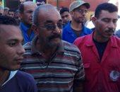 بالصور.. أهالى رأس غارب يحررون 700 محضر بالقسم لإثبات تضررهم من السيول