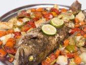 حصتان من الأسماك تخلصانك من أضرار الوجبات السريعة التى تضعف المناعة