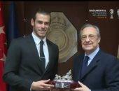 رسميًا.. جاريث بيل يوقع عقد التجديد لريال مدريد حتى 2022