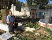 فنان تشكيلى تونسى يعرض لوحاته الفنية للأموات