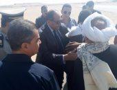 محافظ سوهاج يستقبل جثمان شهيد الواجب بحادث إرهابى بشمال سيناء