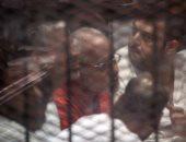"""إيداع بديع وآخرين قفص الاتهام لنظر إعادة محاكمتهم بـ""""أحداث مسجد الاستقامة"""""""