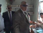 """بالفيديو والصور.. مدير أمن السويس يتفقد توزيع السلع بمنفذ """"أمان"""""""