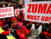 بالصور..شرطة جنوب أفريقيا تطلق قنابل الصوت ومدافع المياه على المتظاهرين
