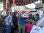 بالفيديو والصور..توزيع كراتين القوات المسلحة على أهالى القنطرة بالإسماعيلية