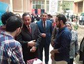 رئيس جامعة المنوفية يفتتح معرض الابتكارات