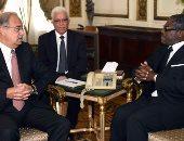 بالصور.. رئيس الوزراء يلتقي نائب رئيس غينيا الإستوائية