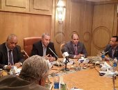 محافظ قنا يستقبل 11 عضوا بمجلس الشعب لمناقشه تبعات مشكلة السيول